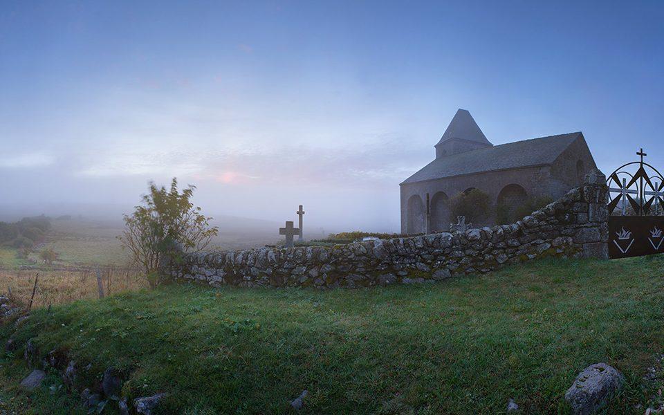 La Domerie et la Tour des Anglais, Aubrac, Aveyron, Octobre