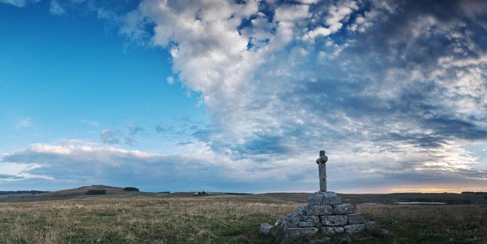 La croix du Lac, Saint Chély, Aveyron, Septembre