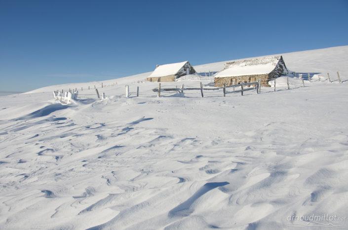 Sastrugi au buron du Puy de Gudette, Saint Urcize, Cantal, Décembre