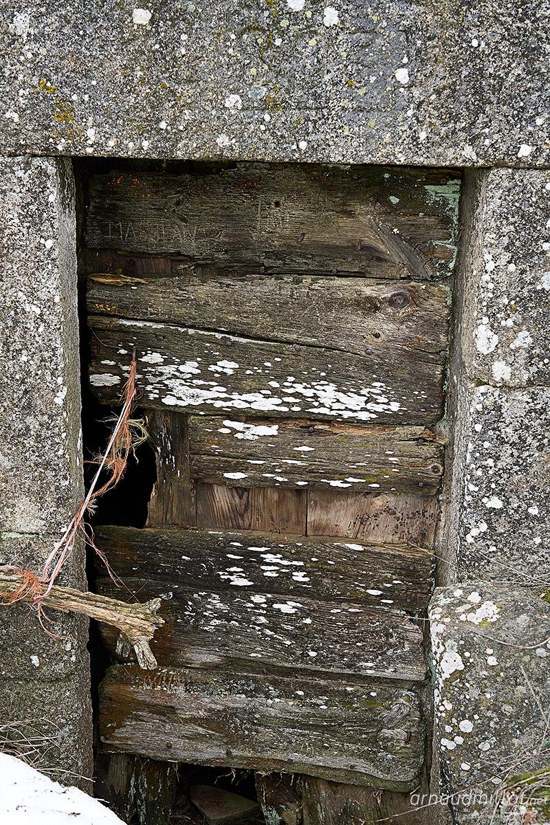 Porte du buron du Cher, Saint Urcize, Cantal