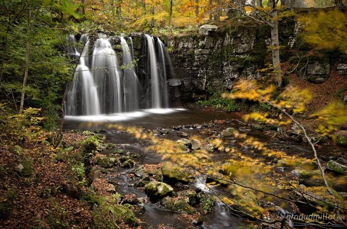 Cascade de Lacessat, Aurelle Verlac, Aveyron, Octobre