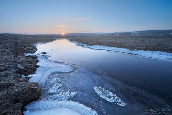 Lever de soleil sur le Bès, Marchastel, Lozère, février