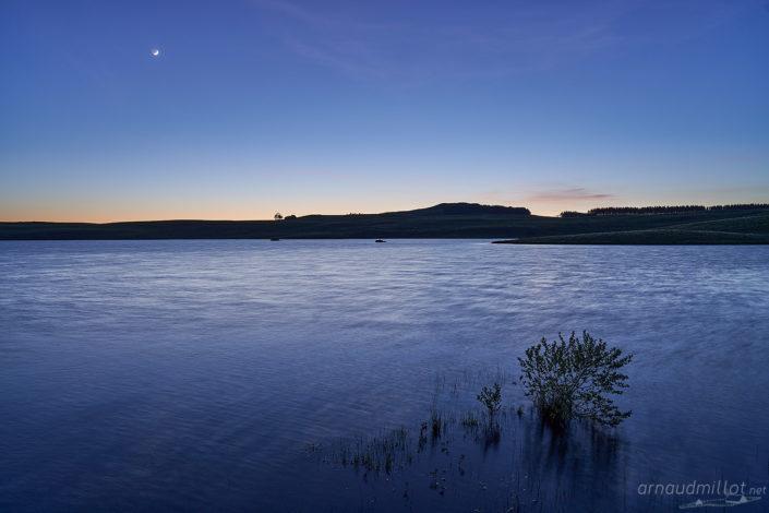 Lac des Moines, Saint Chély d'Aubrac, Aveyron, Mai