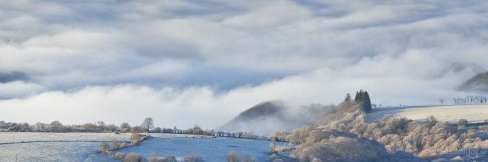Brumes vers Bonnefon, Aveyron, Janvier