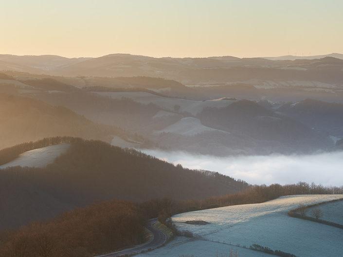Brumes vers Saint Geniez, Aveyron, Janvier