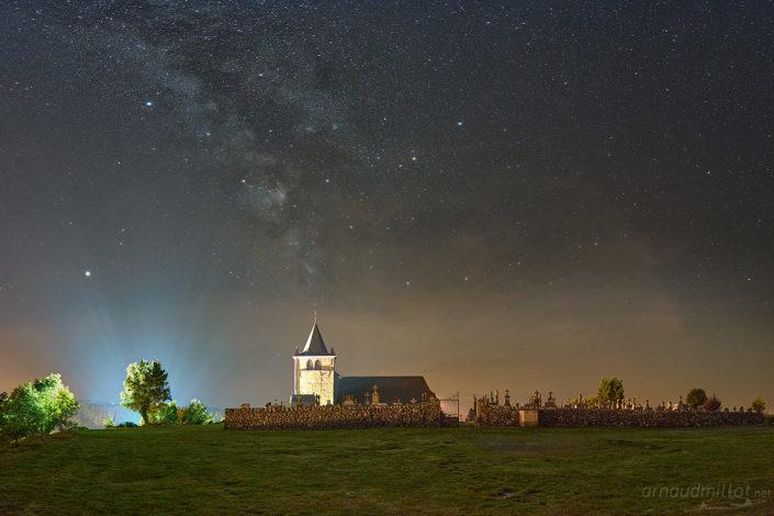 Eglise de Laguiole et Voie Lactée, Août