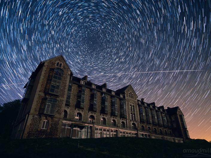 Filé d'étoiles et ISS au Royal Aubrac, Saint Chély d'Aubrac, Aveyron, Avril