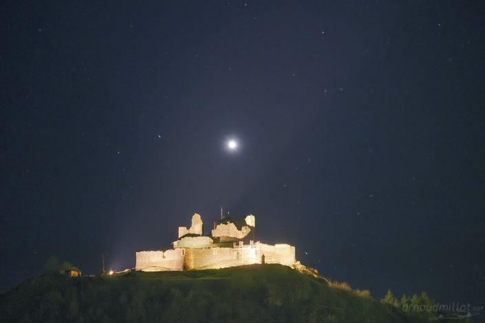 Venus et chateau de Calmont d'Olt, Espalion, Aveyron, Février