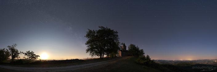 Lever de lune à Saint Jean le Froid, Mouret, Aveyron, Juillet