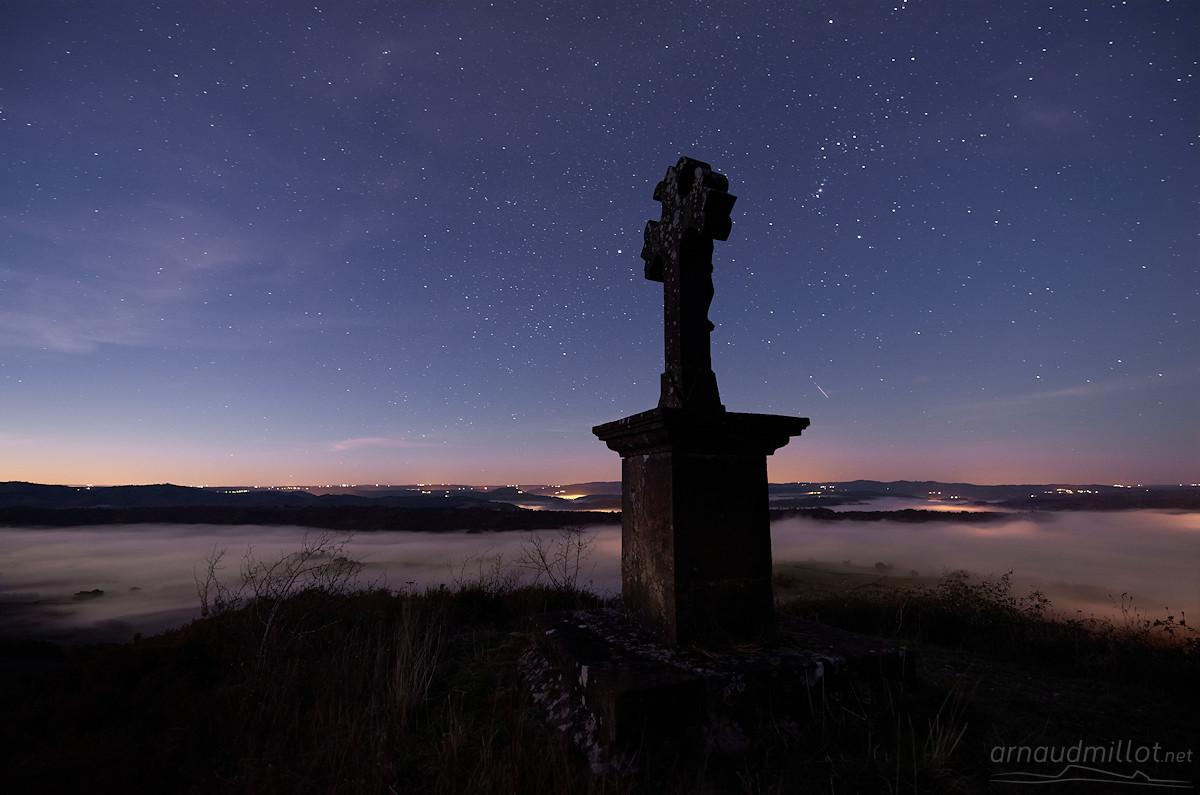 La croix de Phylloxera, Saint Cyprien sur Dourdou, Aveyron, Octobre